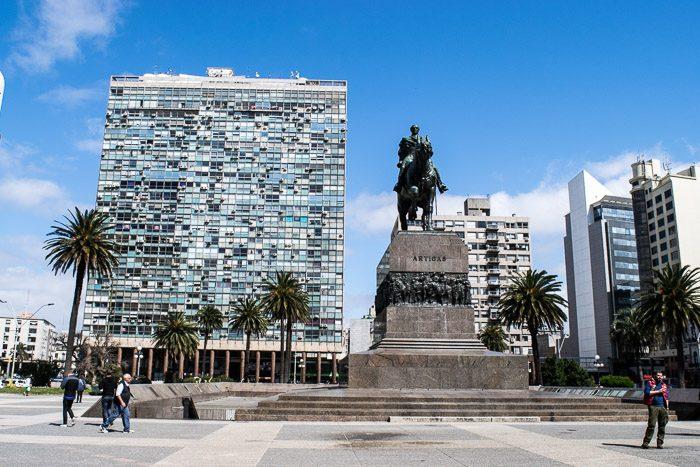 48 hours in Montevideo