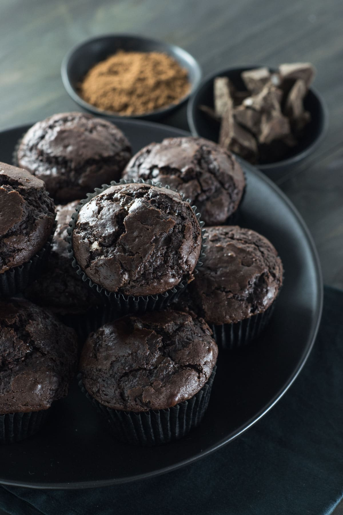 Double chocolate muffins served in black plate